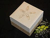 Earth urn with white hemp